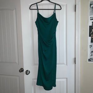 Lulu's hollywood woman forest green wifi dress